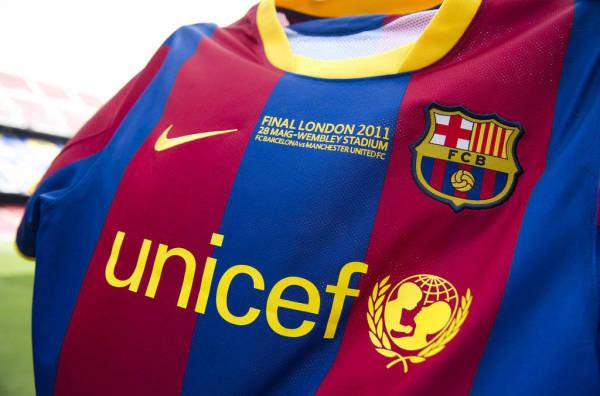 Camiseta-del-Barca-para-disput_54156130970_54115221154_600_396