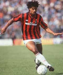 Rijkaard en su etapa en Milán.