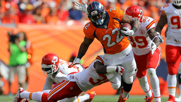 C. J. Anderson (22, en el centro de la imagen) se ha convertido en el centro del ataque de los Broncos desde la derrota ante los Patriots