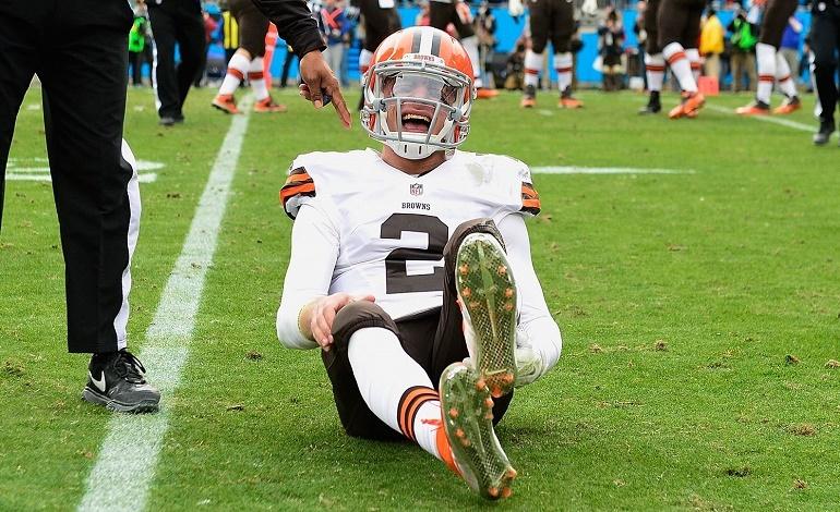 Johnny Manziel se lesionó en los isquiotibiales de su pierna izquierda durante el partido de la semana 16 ante los Carolina Panthers.